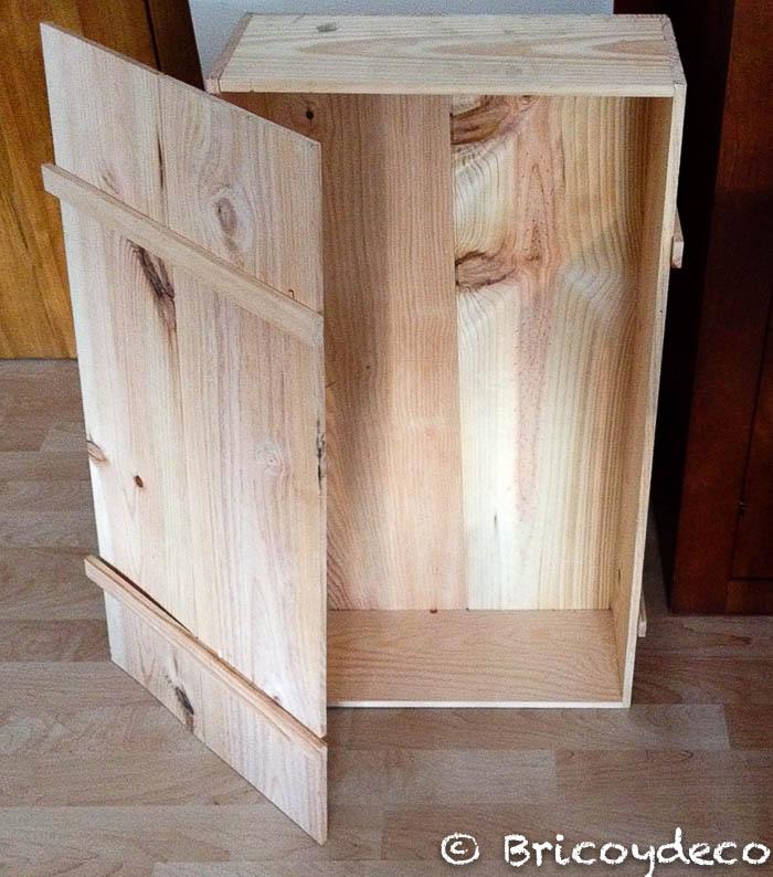 Casa de mu ecas hecha con una caja de madera reciclada for Cosas con madera reciclada