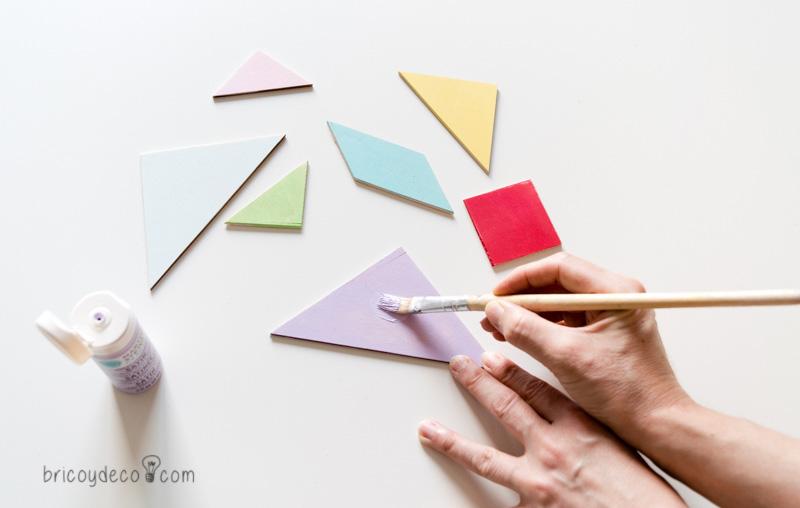 pintar piezas de tangram con pinturas acrílicas