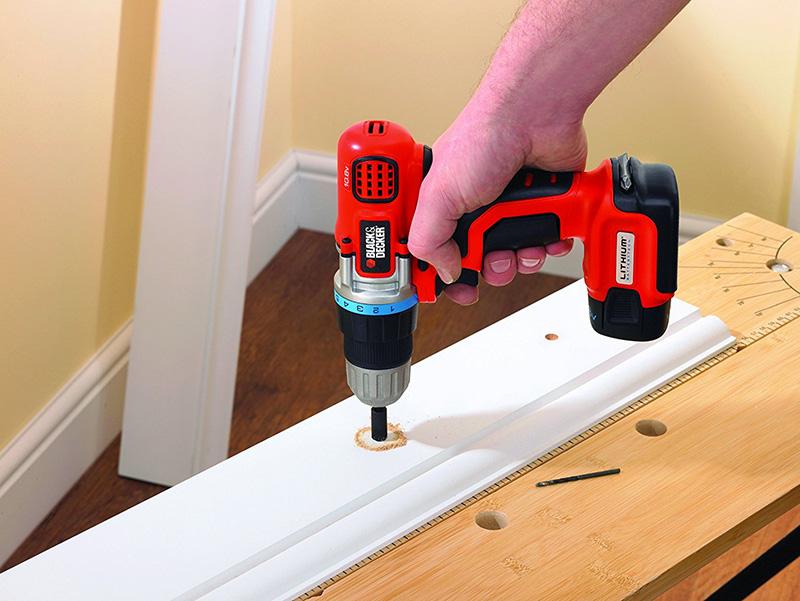 taladro/atornillador para realizar trabajos DIY