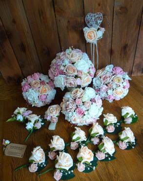 Dusky pink and rose bouquets and corsages