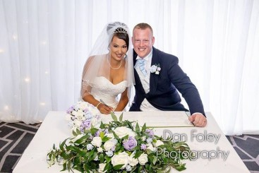 Gemma top table wedding photo