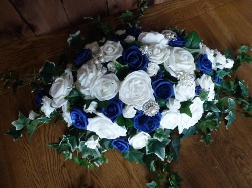 table arrangement wedding navy ivory