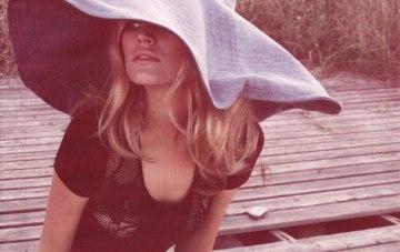 Chic Honeymoon Wardrobe {Floppy Hat Essential}