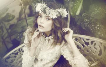 Flower Crowns & Flower Garlands for Bohemian Brides