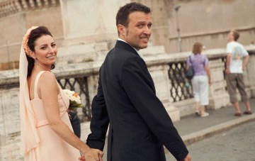 Romance in Rome: A Classically Beautiful, Peach Wedding