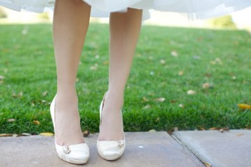 cream retro style wedding shoes | diana rush photography