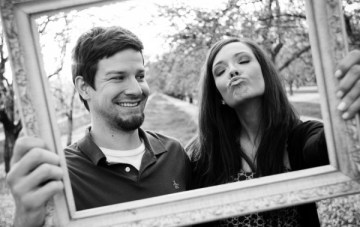 An Orchard, A Picture Frame & A Couple in Love: Sweet & Fun Engagement Shoot