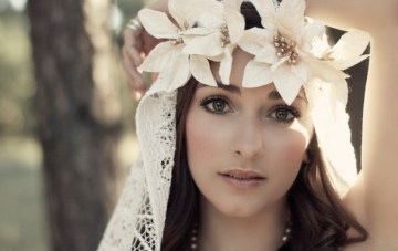 A Bohemian Bridal Shoot With A Beautiful DIY Veil & Headpiece