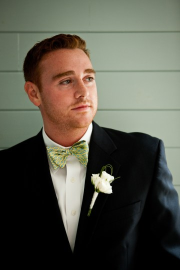 preppy groom bow tie | hendrickson photography weddings