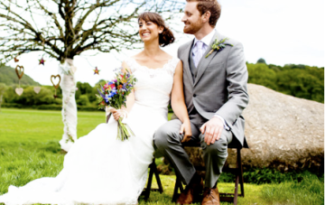 An English 'Country Bumpkin' Outdoor Wedding