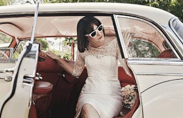 short lace wedding dress | julian beattie photography