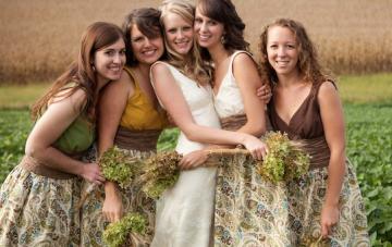 Creative, Rustic And Handmade Farm Wedding In A Cornfield
