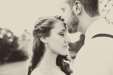 bride and groom kiss | lauren fair photography