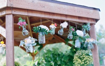 Pastel Rustic Chic Wedding   Laura Murray Photography   Bare Root Flora 20