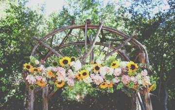 DIY Rustic Sunflower Wedding   Teale Photography 9