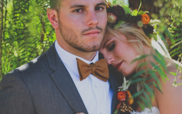 Bohemian Fall Inspired Wedding Filled With Feathers & Gold Glitter