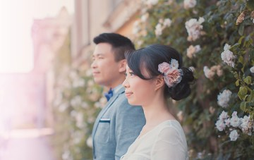 Romantic, Charming & Artistic Engagement Shoot