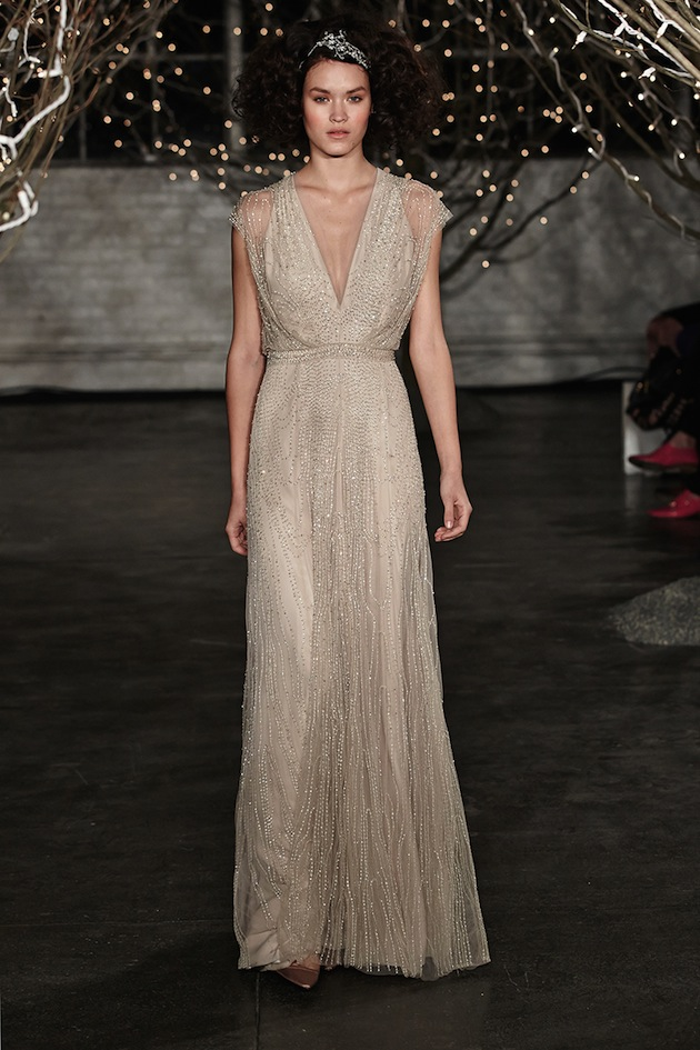 vestido de noiva nude bordado