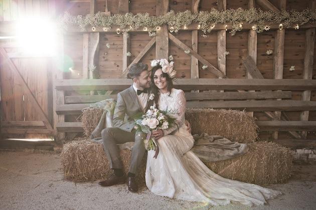 Beautiful Barn Wedding Inspiration Shoot: A Winter\'s Romance