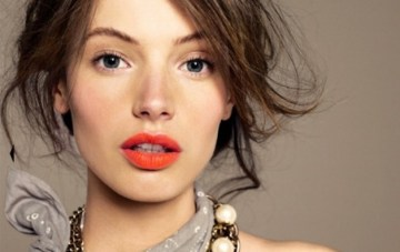 Orange Lips; The Perfect Pout for Spring Brides