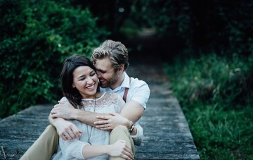 Sweet Engagement Shoot | Lauren Love Photography | Bridal Musings Wedding Blog 17
