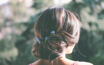 Trend Alert: Mini Floral Hair Pins