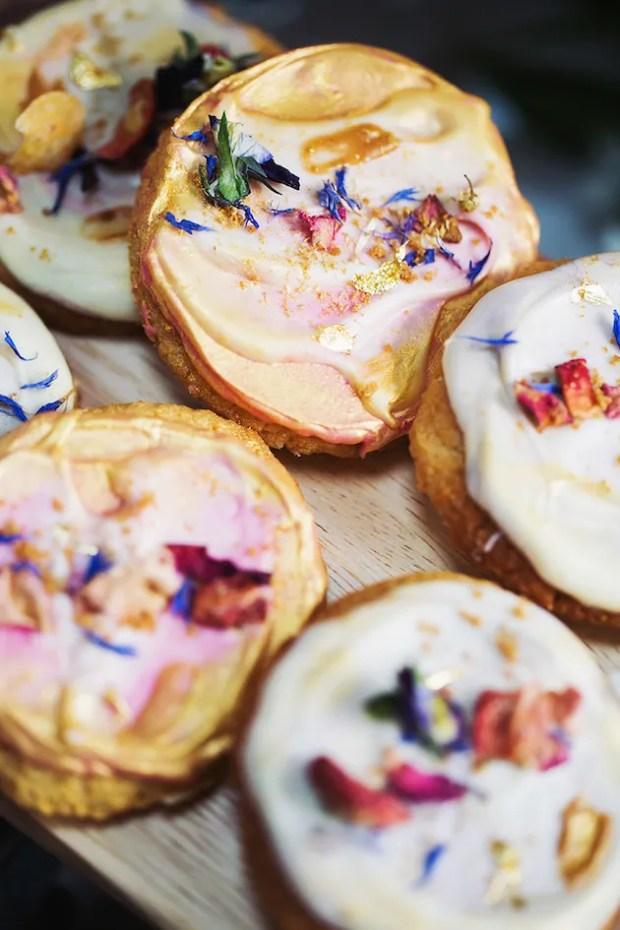 Wedding Trend Alert | Edible Gold and Glitter | Bridal Musings Wedding Blog 11