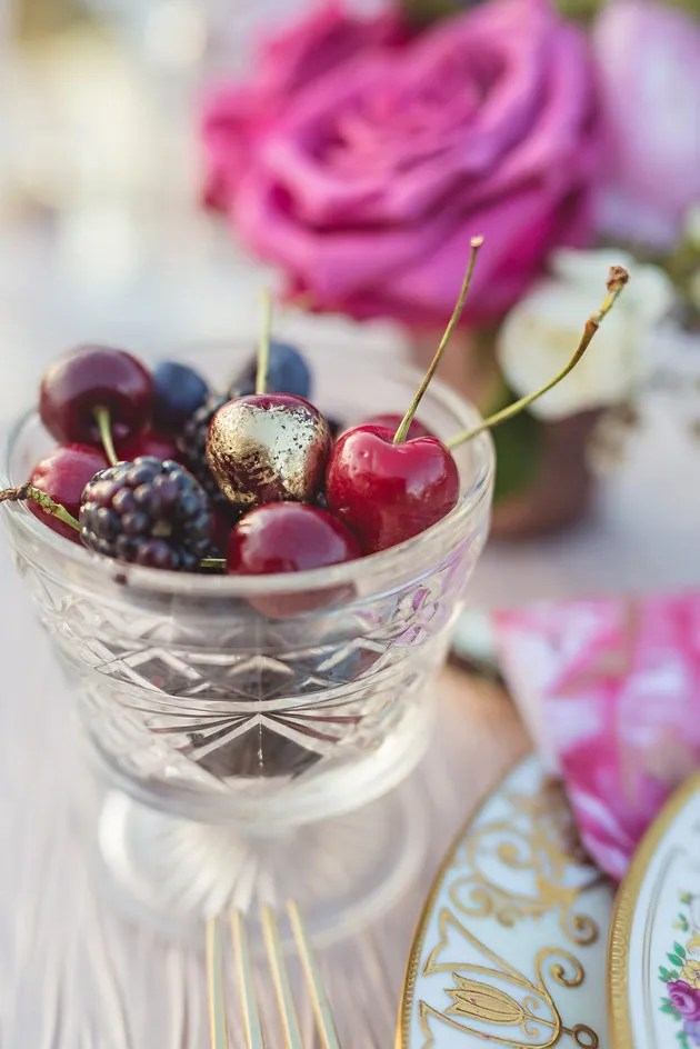 Wedding Trend Alert | Edible Gold and Glitter | Bridal Musings Wedding Blog 8
