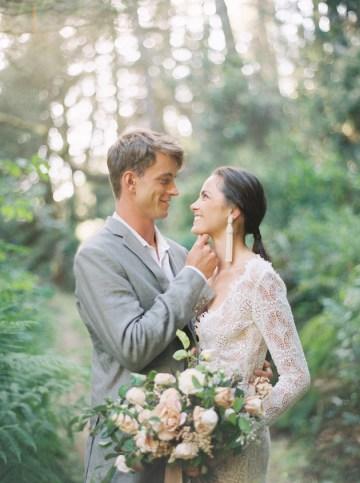 Romantic Beach Bridal Inspiration   Julie Kay Kelly   Erich McVey Workshop   Bridal Musings Wedding Blog 1