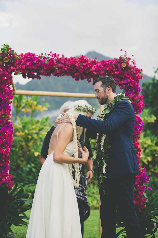 Colourful-Hawaiian-Wedding-Maui-Maka-Photography-Bridal-Musings-Wedding-Blog-30-630x945