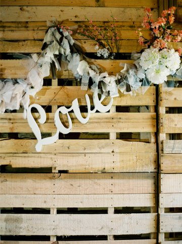 gorgeous-barn-wedding-by-milton-photography-3