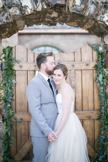 winter-wedding-inspiration-by-amy-caroline-photography-35