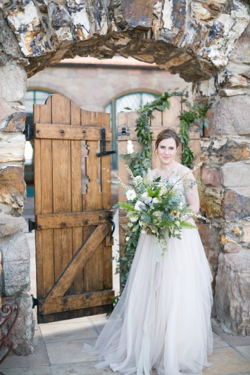 winter-wedding-inspiration-by-amy-caroline-photography-36