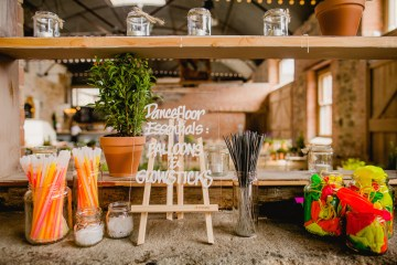 Barn Wedding in Ireland by Navyblur Photography 4