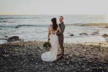 Gorgeous New Year's Eve Wedding by Logan Cole Photography and Seven Stems 24