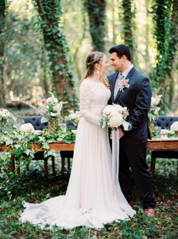 Woodland Wedding Inspiration by Molly Lichten Photography and Jamie Leigh Events 7