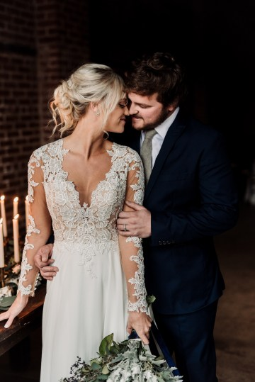Moody Winter Wedding Inspiration by Kelcy Leigh Photography 15