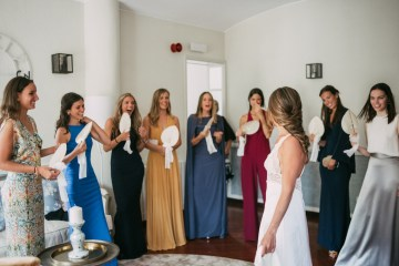Cool Spanish Wedding by Sara Lobla and La Puta Suegra 15