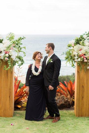 Hawaii Elopement by Modern Elopement and Sea Light Studios 31