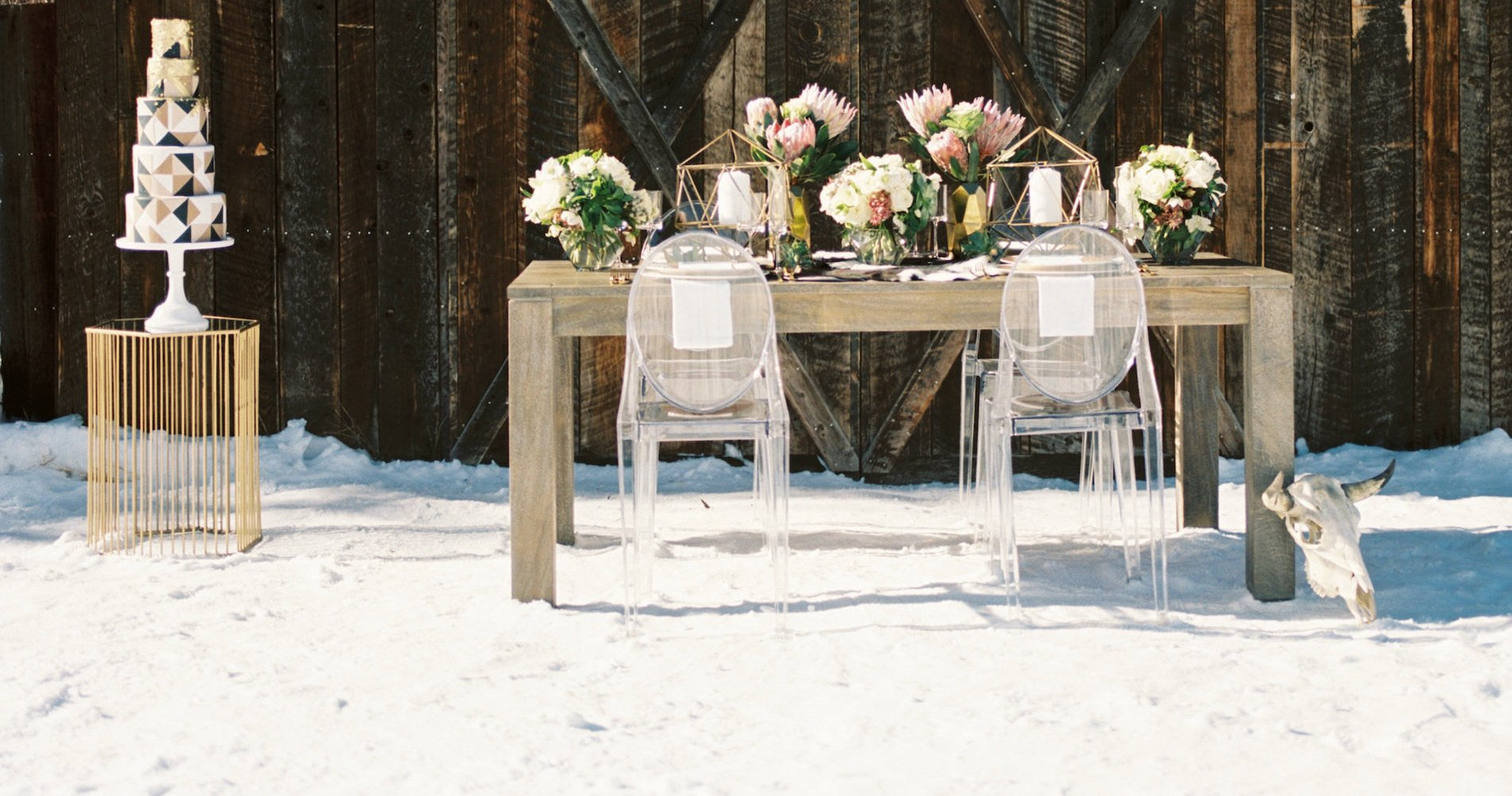 Contemporary Winter Wedding Inspiration by Rachel Havel and BluebirdProductions 13