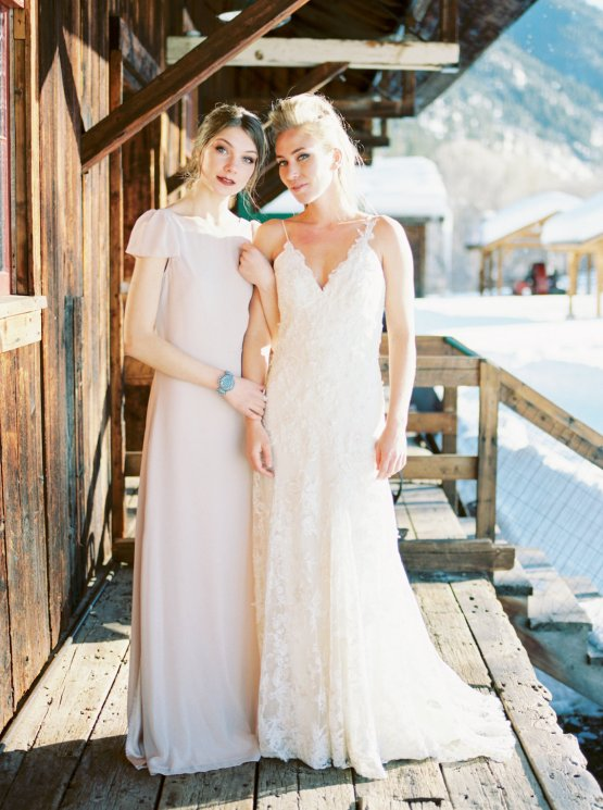 Contemporary Winter Wedding Inspiration by Rachel Havel and BluebirdProductions 36