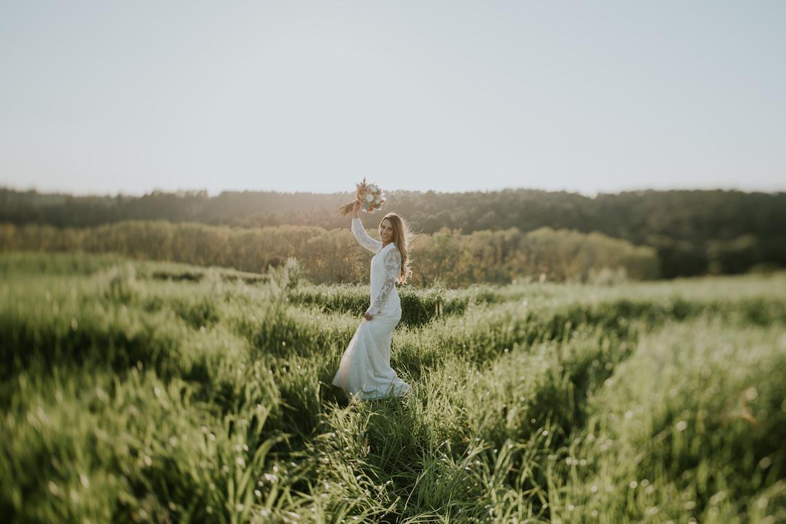 Free-Spirited & Panoramic Boho Wedding Inspiration   Sara Cuadrado and El Ramo Volador 36