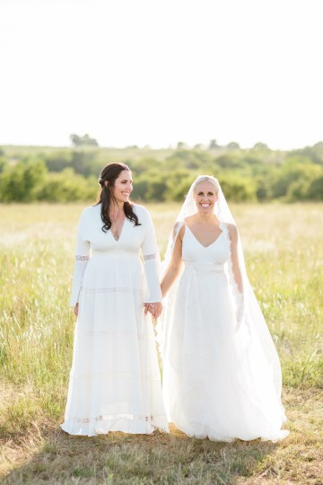Fun, Scenic, Lakeside Wedding with Dried Floral Bouquets | Studio 1208 91