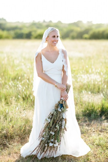 Fun, Scenic, Lakeside Wedding with Dried Floral Bouquets | Studio 1208 97