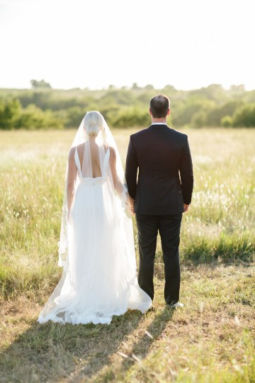 Fun, Scenic, Lakeside Wedding with Dried Floral Bouquets | Studio 1208 98