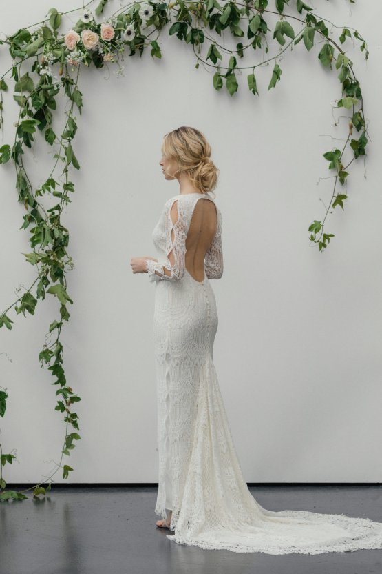 Modern Minimalist Styled Shoot Featuring Gowns For The Natural Bride | Cinzia Bruschini 24