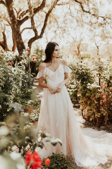 The Luxurious & Bohemian Ember Dusk Spring 2018 Collection from Tara Lauren | Anni Graham 10