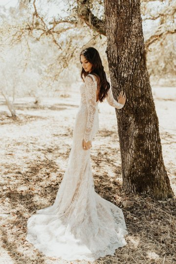 The Luxurious & Bohemian Ember Dusk Spring 2018 Collection from Tara Lauren | Anni Graham 19
