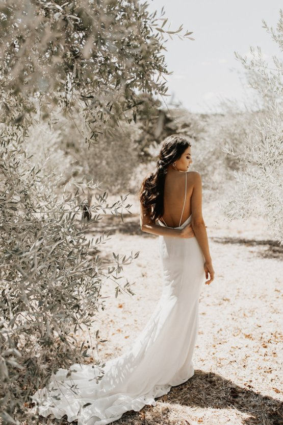 The Luxurious & Bohemian Ember Dusk Spring 2018 Collection from Tara Lauren | Anni Graham 22
