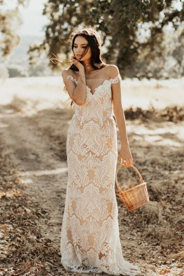 The Luxurious & Bohemian Ember Dusk Spring 2018 Collection from Tara Lauren | Anni Graham 28